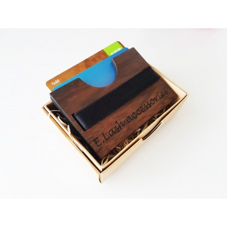 Personalizuotas medinis kortelių dėklas